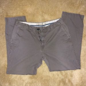 Old Navy Slim Khakis 34x30. Good used condition